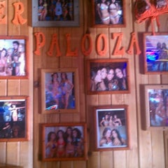 Photo taken at Hooters of Fremont by Aaron R. on 10/19/2012