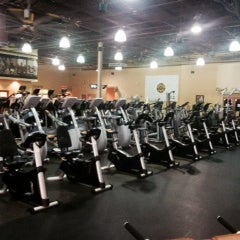 Photo taken at Gold's Gym by Gold's Gym on 12/30/2013