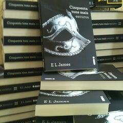 Photo taken at Livraria Saraiva by ANA CAROL V. on 10/9/2012