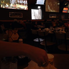 Photo taken at Buffalo Wild Wings by Re R. on 2/1/2014
