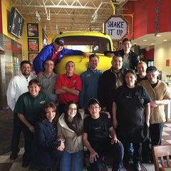 Photo taken at Fuddruckers by Daniel S. on 11/5/2014