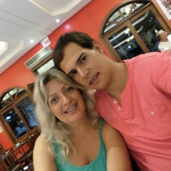 Photo taken at Pizzaria 4 Queijos by Jeane S. on 3/31/2014
