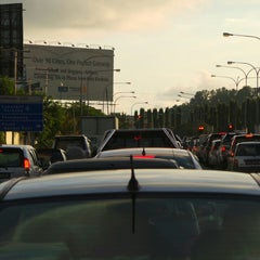Photo taken at Traffic Light Lido Intersection by Mat_Deris on 6/5/2014