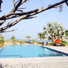 Photo taken at Lawana Escape (Lawana Beach Resort) by B-On T. on 1/25/2014