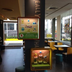 Photo taken at McDonald's by Lemuel ❖ on 2/12/2015