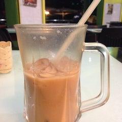Photo taken at Restoran Sri Bunga by Nur S. on 6/30/2015