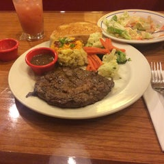 Photo taken at Chili's Grill & Bar by Yuya S. on 6/14/2015