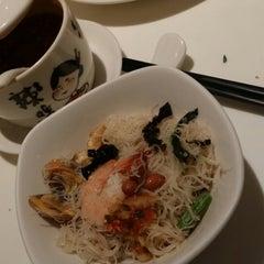 Photo taken at PUTIEN Restaurant 莆田菜馆 by Chloe T. on 7/11/2014