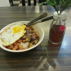 Photo taken at Meal Art (食藝坊) by Lexie Y. on 6/5/2015