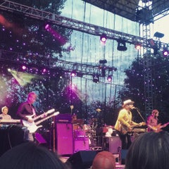 Photo taken at Edgefield Concerts On The Lawn by James R. on 8/10/2015