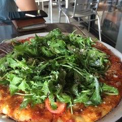 Photo taken at Elio Pizzeria by Boralá Blog -. on 7/3/2015