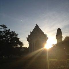 Photo taken at วัดชลประทานรังสฤษฎ์ (Wat Chonprathan Rangsarit) by Bonqpun R. on 10/3/2012