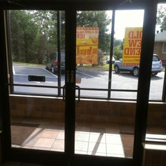 Photo taken at Bojangles' Famous Chicken 'n Biscuits by Seth E. on 10/12/2012