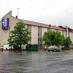 Photo taken at Motel 6 Washington DC SW-Springfield,VA by Motel 6 on 1/29/2015