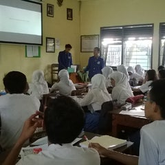 Photo taken at SMA Negeri 13 Surabaya by Nur R. on 1/27/2014