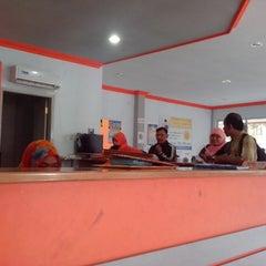 Photo taken at Kantor Pos Pettarani by Ahmad I. on 7/30/2013