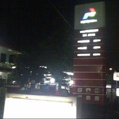 Photo taken at SPBU Pertamina 74.906.05 by Ahmad I. on 11/28/2012
