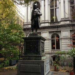 Photo taken at Benjamin Franklin Statue by Gregg J. on 11/13/2012