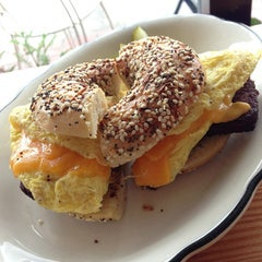 Photo taken at Beauty's Bagel Shop by Arnold G. on 3/19/2013