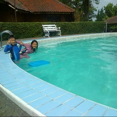 Photo taken at Swimming pool Hotel Seruni 2 by Maria C. on 11/16/2012