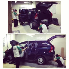 Photo taken at Toyota North Edsa by Monsi S. on 8/18/2014