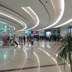 Photo taken at Terminal 3 المبنى by Yance Y. on 7/7/2013