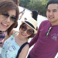 Photo taken at Samet Ville Resort by jOiLy C. on 3/28/2015