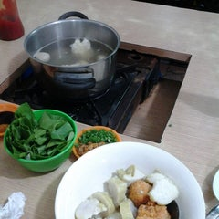Photo taken at Bakso Gun by Isty S. on 2/16/2014