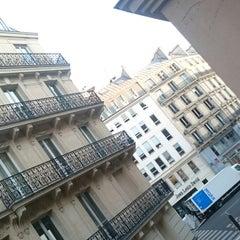 Photo taken at Cadet Opéra Hôtel by Erick P. on 3/13/2015