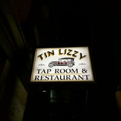 Photo taken at Tin Lizzy by Wes R. on 8/20/2015