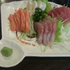 Photo taken at Restaurante Sushi Tori | 鳥 by Marcio G. on 10/10/2012