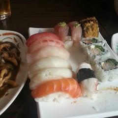 Photo taken at Restaurante Sushi Tori | 鳥 by Marcio G. on 6/15/2013