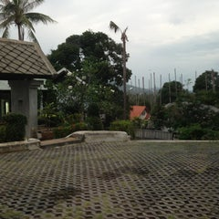 Photo taken at Hillside Village Health Resort by PONGx U. on 1/4/2013
