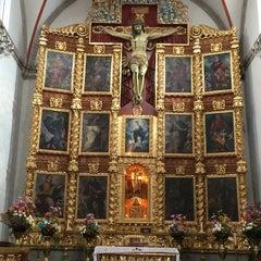 Photo taken at La Parroquia De San Gabriel Arcángel by Neodi d. on 10/4/2014