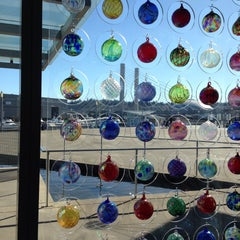Photo taken at Museum of Glass Store by Belleee C. on 2/28/2015
