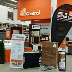 Photo taken at The Home Depot by Luciano D. on 9/16/2014
