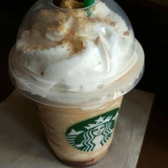 Photo taken at Starbucks by Andre F. on 5/6/2015
