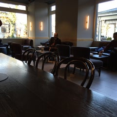 Photo taken at Starbucks by ckkinn on 12/2/2015