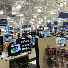 Photo taken at Best Buy by Chris R. on 4/6/2013