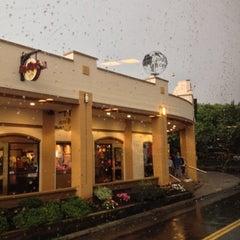 Photo taken at Hard Rock Cafe Niagara Falls USA by Diego R. on 9/21/2013