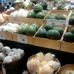 Photo taken at Tops Market (ท็อปส์ มาร์เก็ต) by Celle D. on 3/4/2012
