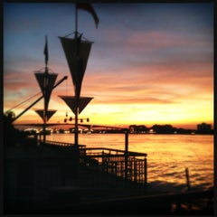 Photo taken at Bangkok Bistro Riverfront by Wuthikul T. on 3/4/2012