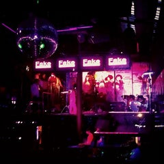 Photo taken at Fake Club by ทศวร ไ. on 3/6/2012