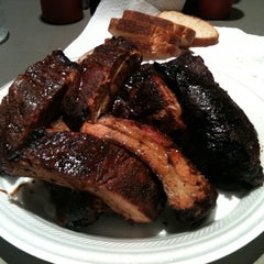Photo taken at Off The Bone Barbeque by ℺ɠɽع on 6/2/2012
