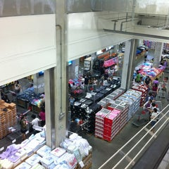 Photo taken at 코스트코 (COSTCO WHOLESALE) by YS O. on 6/14/2012