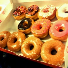 Photo taken at Dunkin Donuts by Anna N. on 6/28/2012
