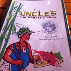 Photo taken at Uncle's Fish Market & Grill by Ryen L. on 3/26/2012