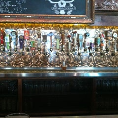 Photo taken at Flying Saucer Draught Emporium by William H. on 6/13/2012