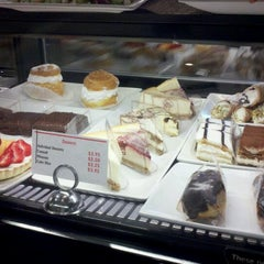 Photo taken at Cafelatte by Merwin 💞 V. on 4/3/2012