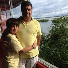 Photo taken at Leños y Mariscos by Mauricio R. on 4/7/2012